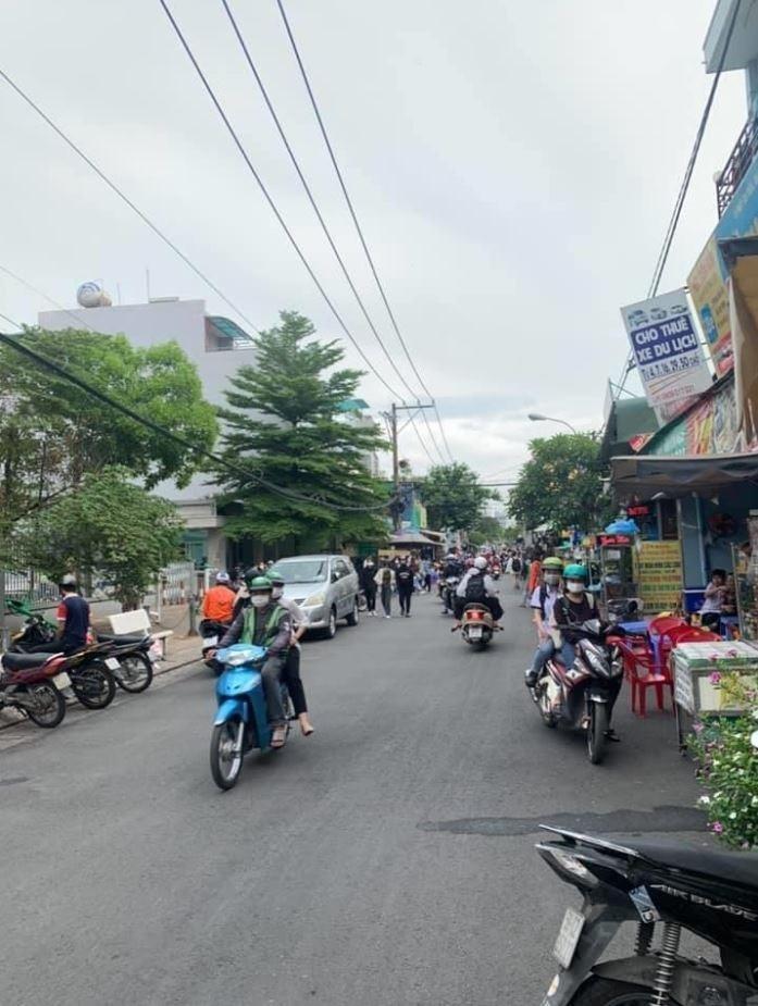 Thuê mặt bằng trên đường Tân Thuận Tây Quận 7